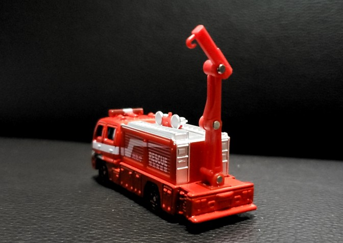 救助車両 トミカ