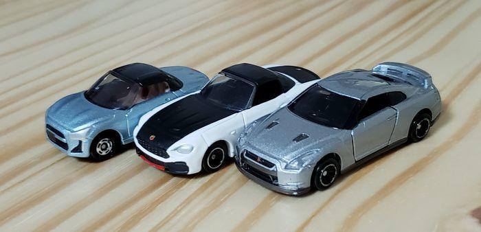トミカのスポーツカー