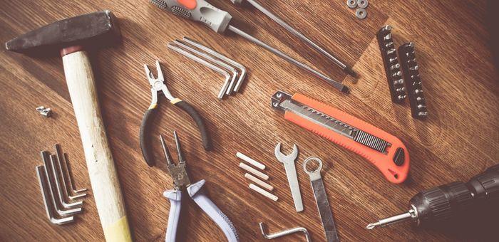 自働車を修理する工具