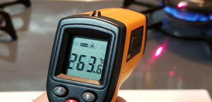 ガスコンロの火を非接触温度計で測定