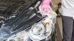 ディーラーで洗車