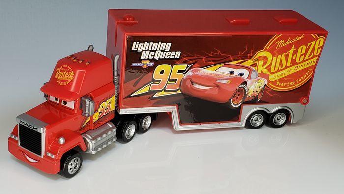 5000ケルビンでトラックのおもちゃを撮影